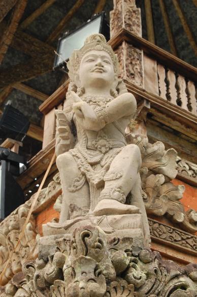 Statue of Vishnu at Pura Taman Ayun
